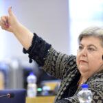 Clara Aguilera celebra el anuncio de la revisión de la Política Pesquera Común por parte del comisario de Pesca
